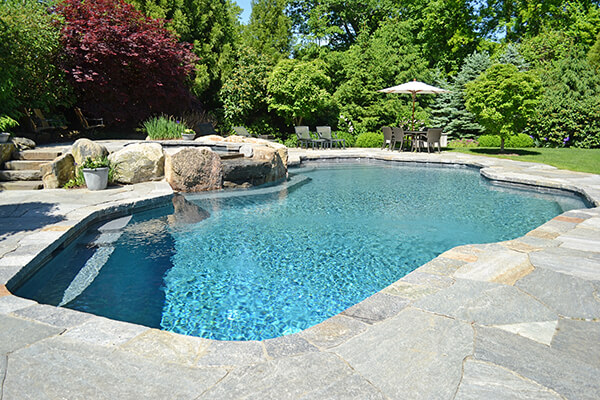 Swimming-Pool-with-outdoor-speakers-westchester-new-york-soundworks